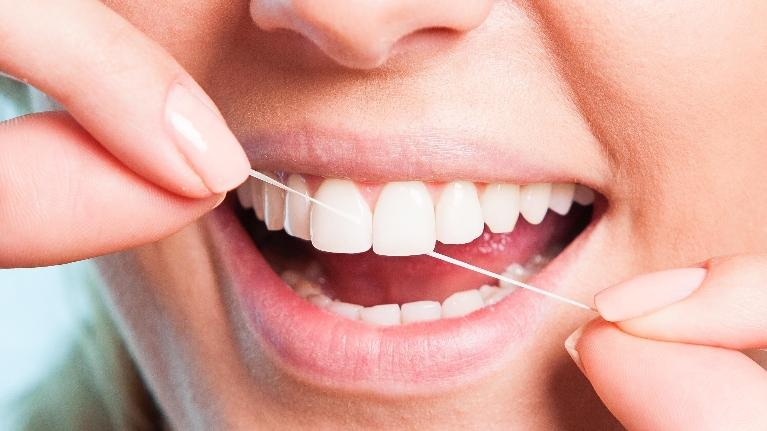 Flossing | Ruggless Dental